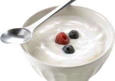 Разница между йогуртом и кефиром
