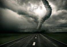 Разница между смерчем и торнадо