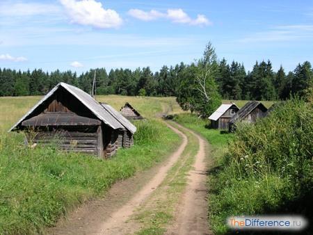 отличие деревни от поселка