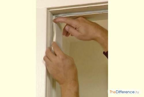 Как правильно клеить уплотнитель в дверной проем