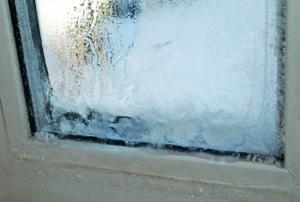 Почему промерзают пластиковые окна