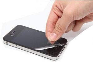 Как наклеить защитную пленку на телефон
