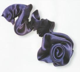 buket-12 Как сделать розу из атласной ленты?