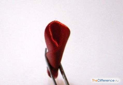 buket-26 Как сделать розу из атласной ленты?