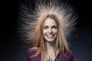 Что делать, если сильно магнитятся волосы
