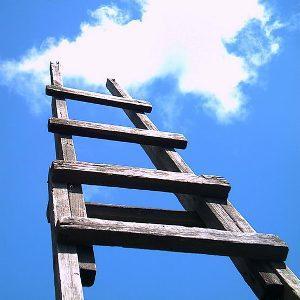 Как построить лестницу на второй этаж своими руками