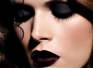 как красить глаза черными тенями