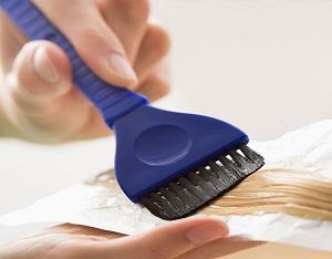 Как покрасить волосы перекисью водорода