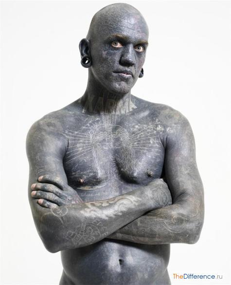 самый татуированный человек в мире