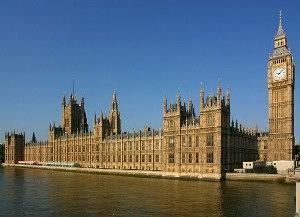 Чем отличается новый политический строй от парламентской монархии в Англии