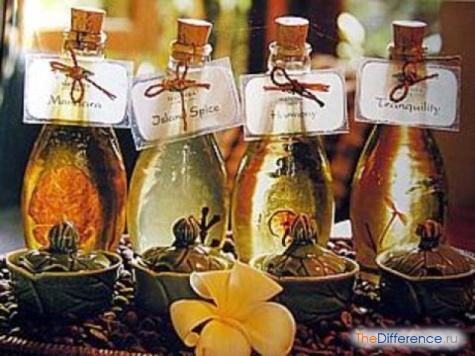 в чем разница между эфирным маслом и ароматическим маслом