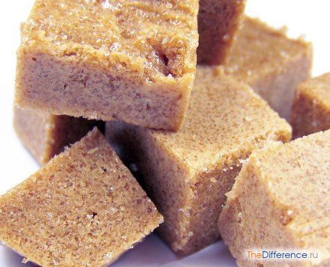 в чем разница между коричневым сахаром и белым