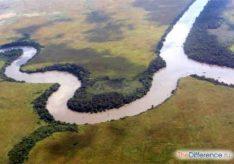 Разница между рекой и ее притоком