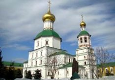 Разница между монастырем и церковью