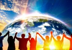 Разница между миром и планетой